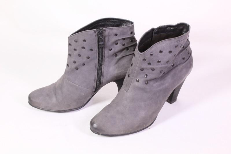 8D Tamaris Stiefeletten Leder grau Gr. 40 Blockabsatz Boho Ankle Boots Nieten | eBay