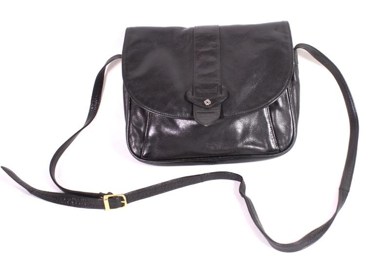 f71c4e8005c65 B14 Samsonite Damen Tasche Umhängetasche Leder schwarz Saddle Bag viele  Fächer