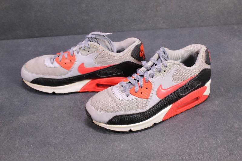 Details zu SB124 Nike Air Max 90 Hyperfuse Sportschuhe Sneaker Gr. 39 grau rot schwarz